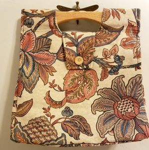Vintage tote with beautiful detailing